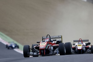 Auer on top at Brands. © FIA.