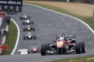 Victory for Lynn. © FIA.