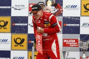 Marciello celebrates. © FIA