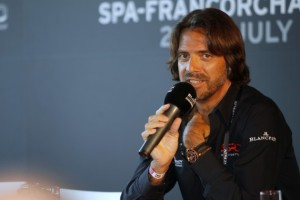 Ratel speaking to the press at Spa. © V-Images.com / Fabre