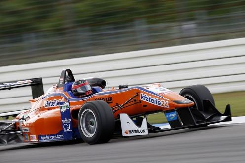 Auer took a dominant pole. © FIA.