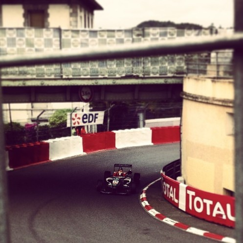 Fuoco rounds Pont Oscar at Pau. © Leigh O'Gorman.