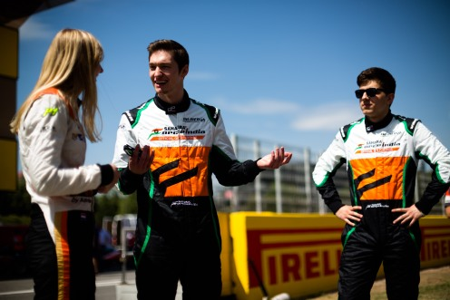 Mason (centre) with teammates Visser and Taranov. © Malcolm Griffiths/GP2 Series Media Service.