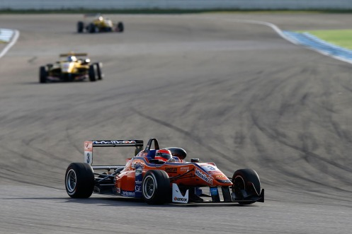 Auer's victory ends a frustrating year for Mücke in F3. © FIA F3 Media Service.