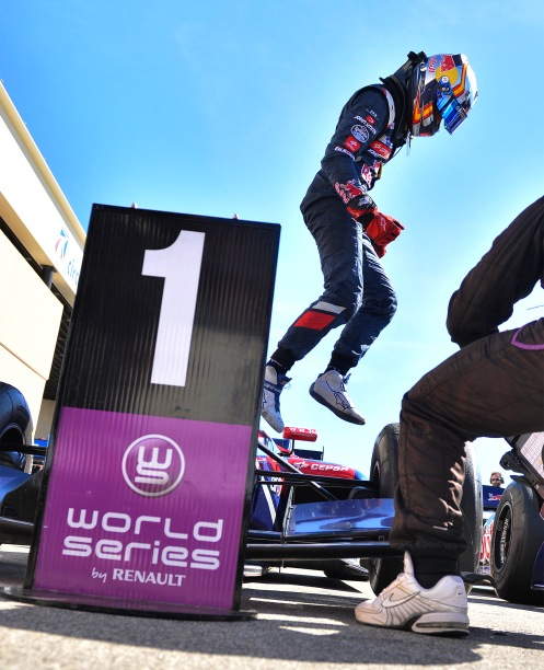 Sainz Jr took two key wins at Paul Ricard. © Renault Sport Media (Photo Vincent Curutchet / DPPI)