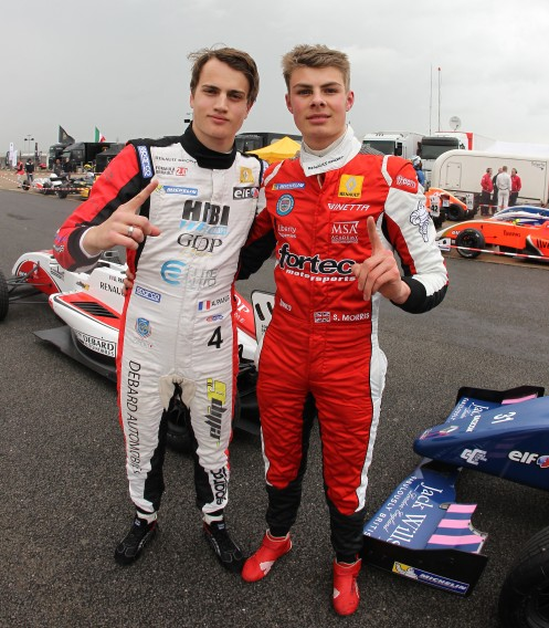 Seb Morris (right) celebrates with Aurélien Panis (left). © Renault Sport Media.