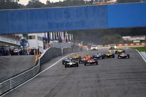 Auto GP has suffered from poor grids in 2014. © Auto GP Organisation.