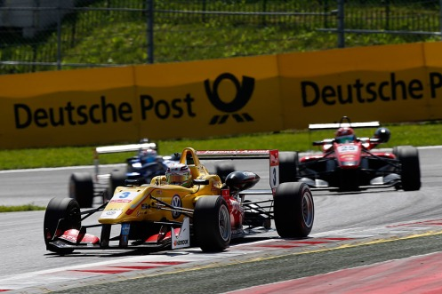 Giovinazzi took Stroll at the start to secure 3rd place. © FIA Formula 3 Media Services