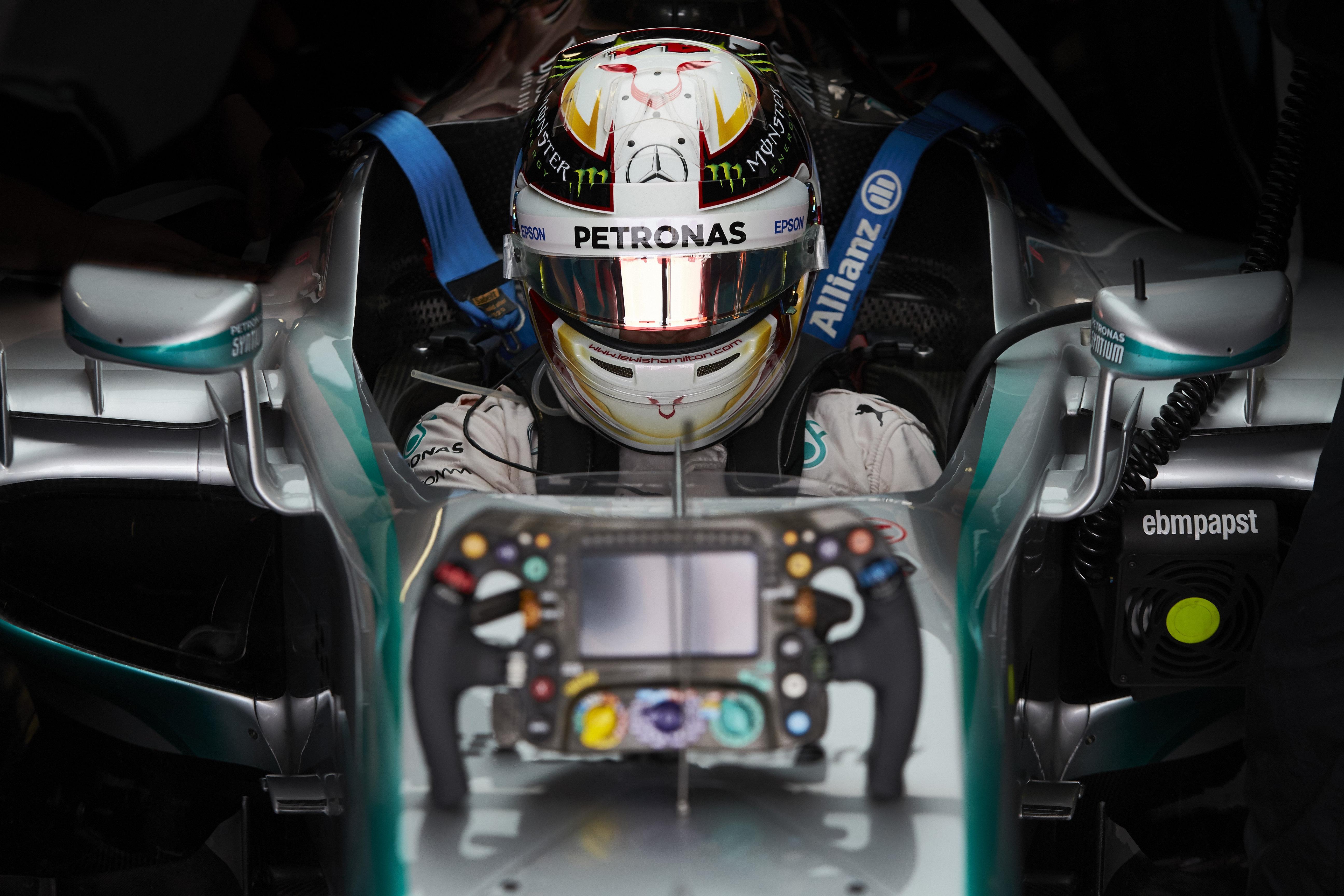 Lewis Hamilton C MERCEDES AMG F1 TEAM